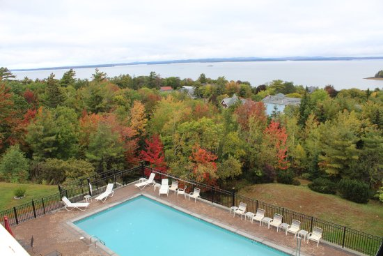 Atlantic Eyrie Lodge : View from Balcony