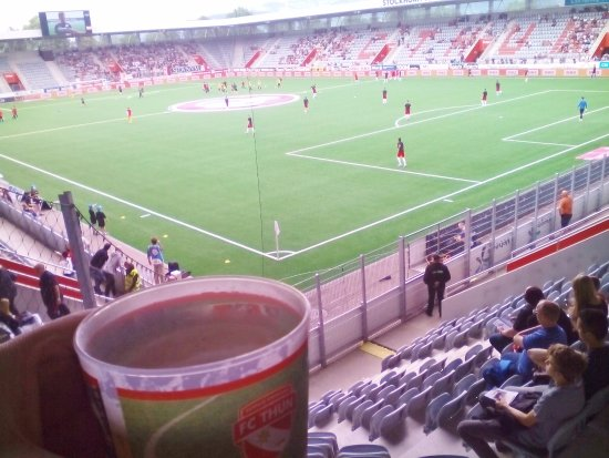 Thun, سويسرا: beer n football