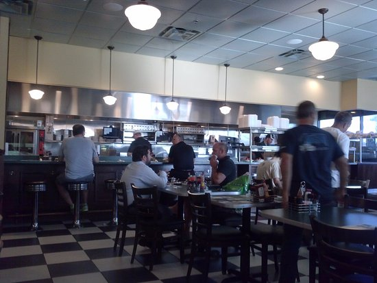 Ponte Vedra Beach, FL: Interior of restaurant - Nice and Clean and New