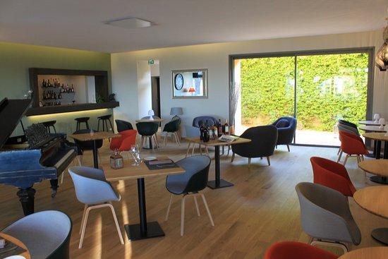 L 39 int rieur picture of le cedre port vendres tripadvisor - Restaurant le france port vendres ...