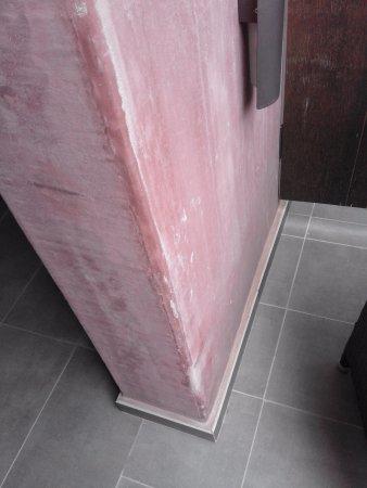 Lopesan Baobab Resort: Walls in need of painting