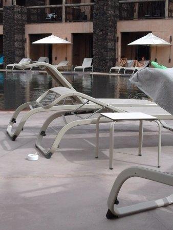 Lopesan Baobab Resort: Not very private swim up rooms!