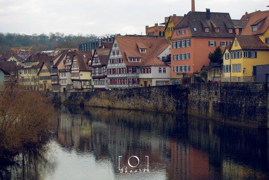 Schwäbisch Hall, Alemania: vistas desde uno de los puente mas transitados