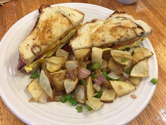 MeMe's Cafe : Good Morning Sandwich