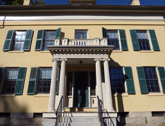 Emily Dickinson Museum Tour