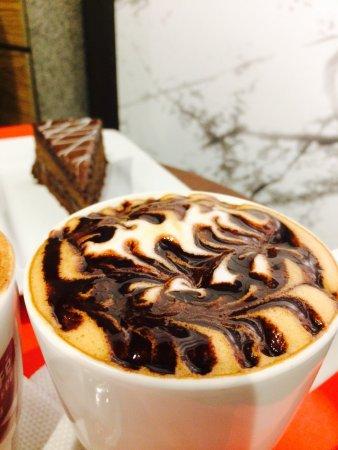 Cafe Coffee Day Kowdiar