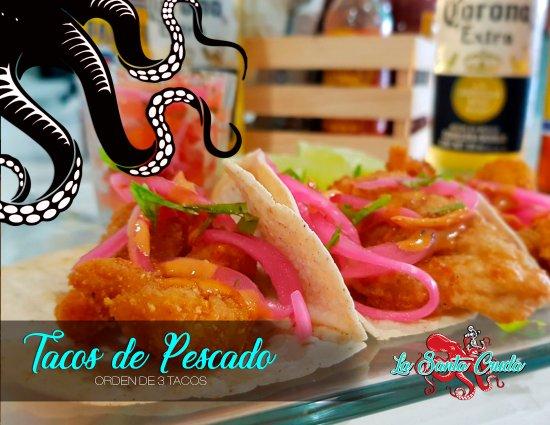 Cuautitlan Izcalli, Mexique : Tacos de pescado empanizado con cebolla y limon