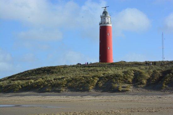 De Cocksdorp, The Netherlands: Vuurtoren vanaf strand