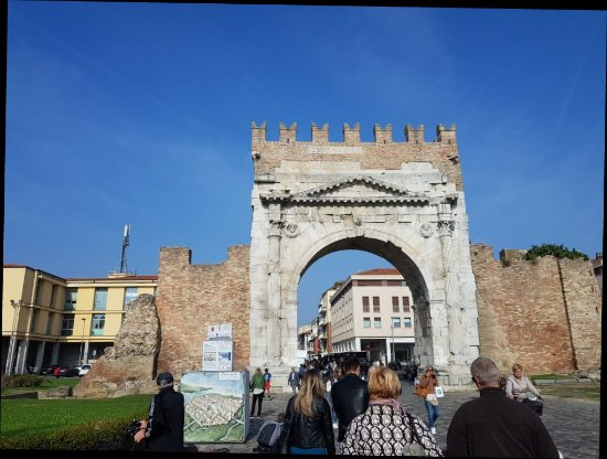 Arco d'Augusto: 20171021_110721_large.jpg