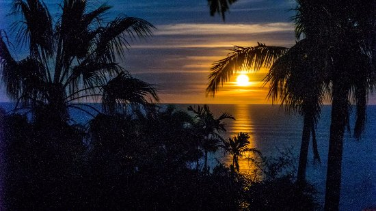 Los Frailes, Мексика: Moon rise from our balcony