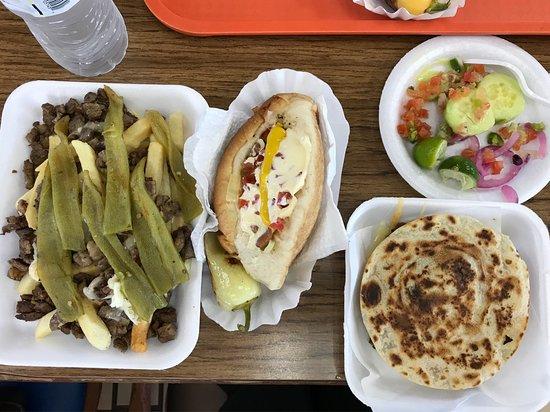 Nogales, Arizona: Chuyito's Hot Dogs