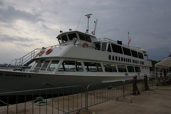 Gananoque, Kanada: Our boat at the dock after the cruise