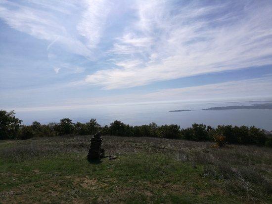 Free Hiking Tour Sveti Vlas : Uitkijkpunt over de Zwarte zee en Nesebar.