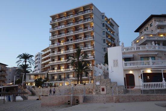 más popular orden venta al por mayor Hotel Be Live Adults Marivent visto desde Cala Major ...