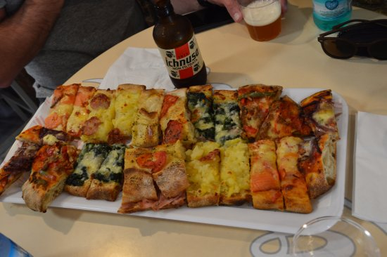 Pizzeria Federico Nansen: plateau de différentes pizzas
