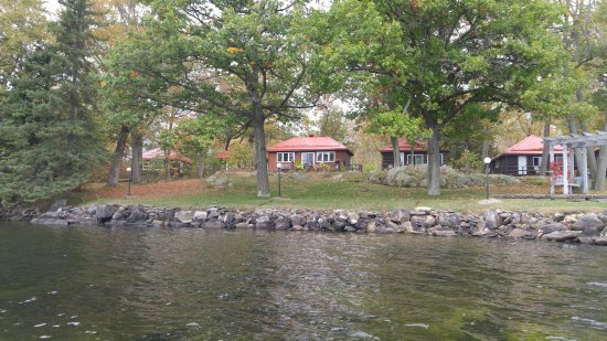 Viamede Resort: Cabins by the Lake