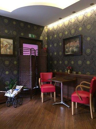 Lilaudvar Café & Gallery