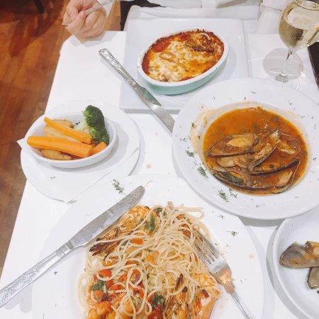 Amarcord Italian Restaurant: photo0.jpg