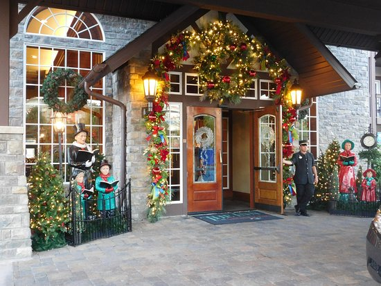 The Inn at Christmas Place: Front entrance