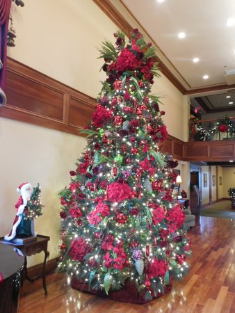 The Inn at Christmas Place: Tree in front hall.