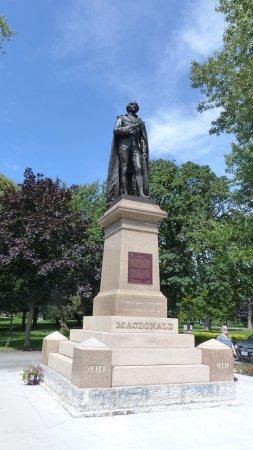 Sir John A. MacDonald statue in the Kingston City Park