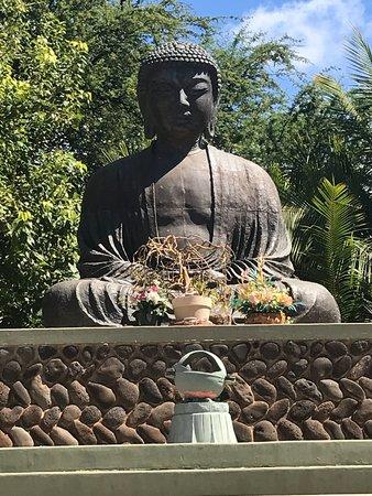 Lahaina Jodo Mission : The Buddha statue