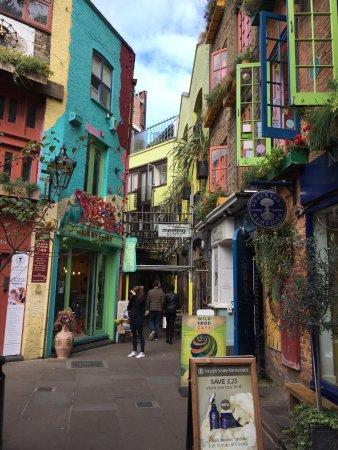 Neal's Yard : Rainbow spot