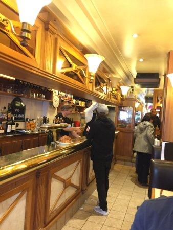 Cafe saint lazare paris restaurant reviews phone number photos tripadvisor - Restaurant saint lazare paris ...