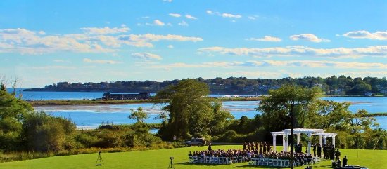 Middletown, RI: Wedding at Pergola on Lawn