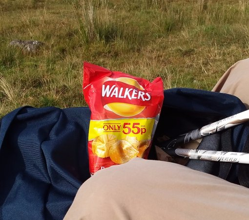 Glengarry House: The sun was out briefly and what better than 'Walker's' crisps from Ellen!