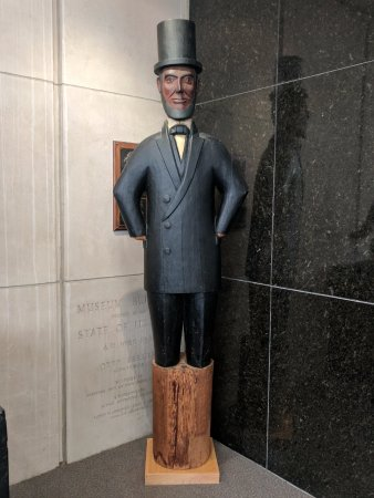 Illinois State Museum: State Museum