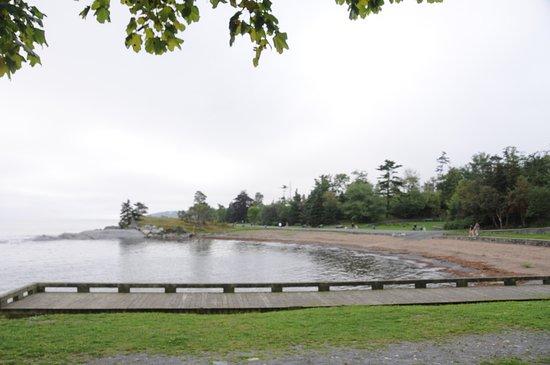Point Pleasant Park: beach