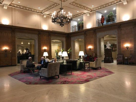 Fairmont Chateau Laurier: Entry Lobby