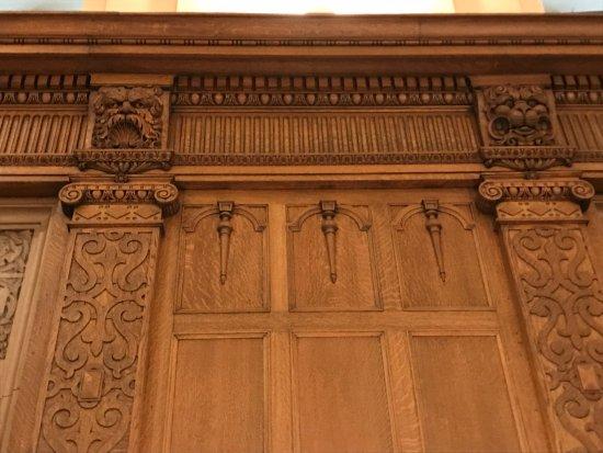 Fairmont Chateau Laurier: Woodwork detail