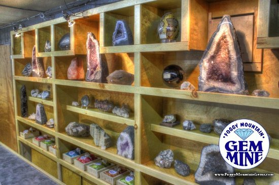 Boone, NC: Foggy Mountain Gem Mine Collection