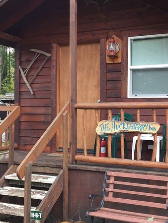 Springfield, OR: The Huckleberry Cabin