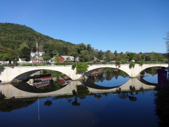 Shelburne Falls, Массачусетс: Beautiful bridge