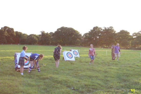 Merstham, UK: Archery in Surrey