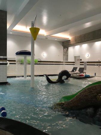 kids area in the pool picture of hampton inn suites portland rh tripadvisor com