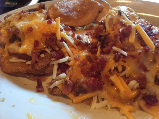 Blacksburg, VA: Most cheese is not melted - Irish Nachos