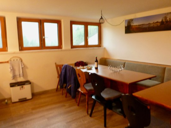 Reutte, Austria: Shared kitchen area for the dorm/lager