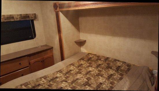 Meredith, NH: Harbor Hills rental trailer.