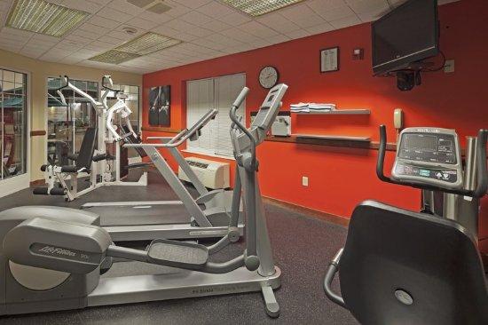 Brookfield, WI: CountryInn&Suites MilwaukeeWest FitnessRoom