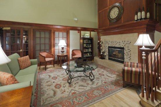 Brookfield, WI: CountryInn&Suites MilwaukeeWest Lobby