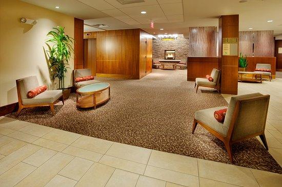 Liverpool, NY: Hotel Lobby