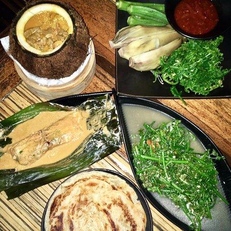 Sepilok, Malezja: So many tasty dishes!
