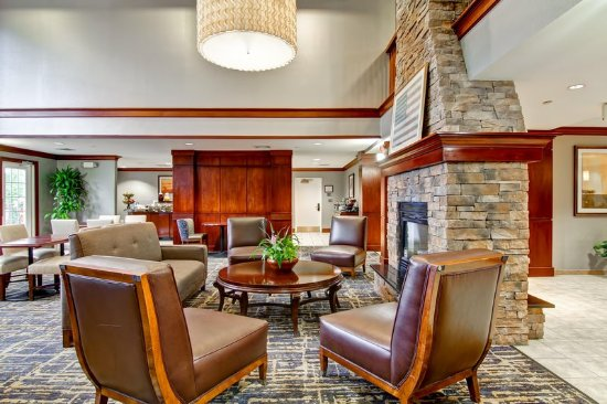 Stratford, CT: Lobby Seating