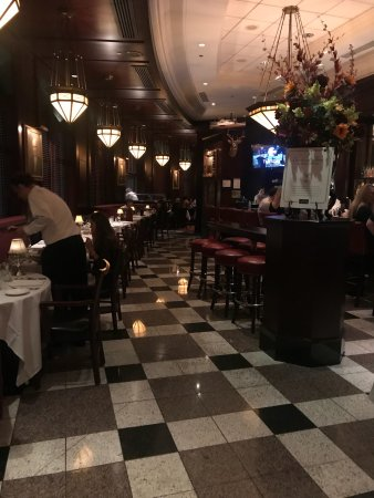The Capital Grille: Nice looks