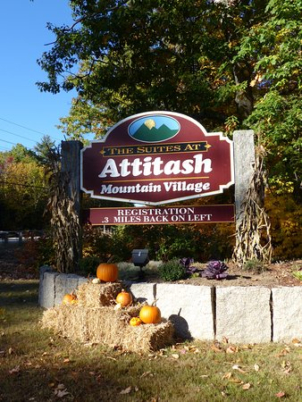 Bartlett, NH: Attitash Mountain Village entrance