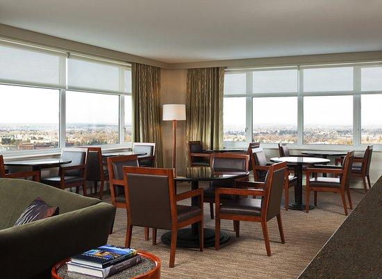 Lombard, IL: Westin Executive Club Lounge